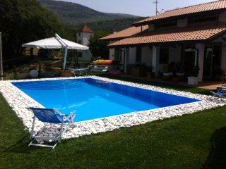 Villa immersa nel verde a pochi km mare Circeo, Villa Santo Stefano