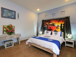 300 M WALK TO LEGIAN BEACH - Discount Budget Balinese Style Private Pool Villa
