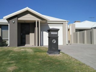Lakelands Holiday Home, Mandurah