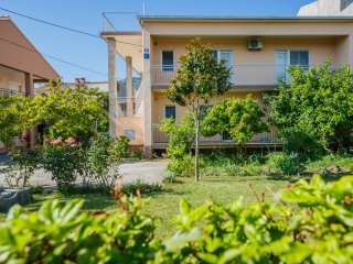 3BR Apt with Parking 10 min to the Beach close to Trogir&Split
