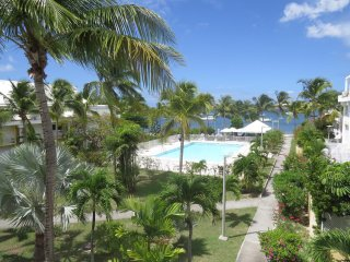 Charming Apartment with View on the Pool and Simpson Bay Lagoon, Sandy Ground