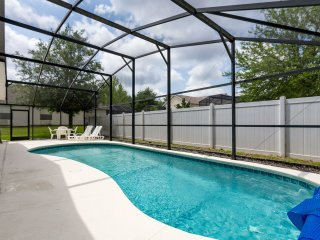 Lirasan Villa - 4 bdrm/3 bath w/pool near Disney, Clermont