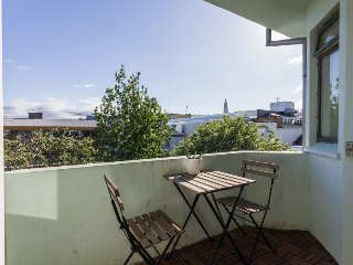 *TOP CITY CENTER APT W/ VIEW AND FREE PARKING*, Reykjavik