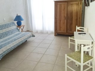 Spacious studio 200m from the beach, Conca