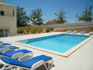 Ferragudo Villa for 10 people