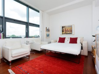 Perfect apartment, comfortably sleeps two, with a double sofa bed, allowing a group of four to stay., London