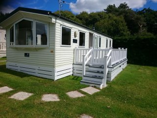 Caravan on Shorefields 5 star luxury country park, Milford on Sea