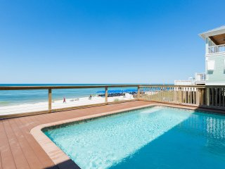 The Fish Carlon - Oceanfront, 6 bedrooms - Private Pool, Hot Tub