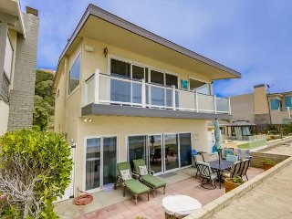 Beach House with Hot Tub & Game Room! SO FUN! Sleeps 10  #221, Dana Point