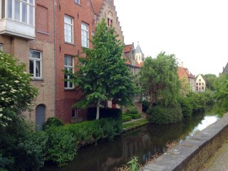 Stylish Mansion on the canal, Bruges