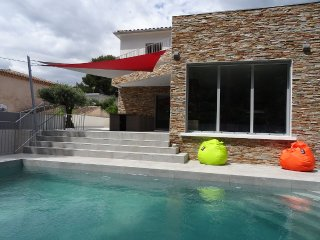 3 bedroom villa with private pool, walk to beach, Sanary-sur-Mer