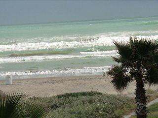 Luxurious Oceanfront 1BR/1BA Sleeps 2-4, South Padre Island
