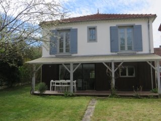 2 Bedroom Gite in Eymet