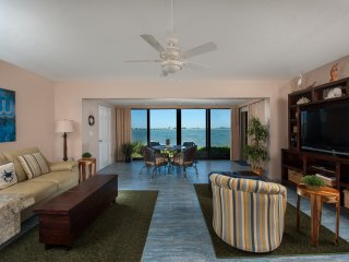 Waterfront ground level 1bedroom -  Mariner Pointe - Great Fishing Spot!, Sanibel Island