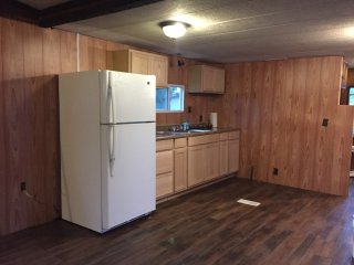 Comfy Clean Stylish Mobile Home, Pittston