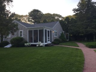 High End Cottage Walk to Craigville Beach, Centerville