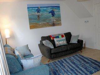 2. Lounge Area