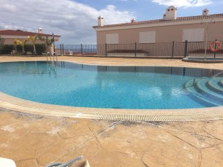 Luxurious Duplex with Air-con, Wifi, Heated pool, Acantilado de los Gigantes
