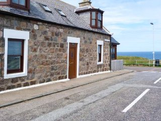 SEASCAPE sea views, spacious cottage, pet-friendly, WiFi in Portknockie Ref