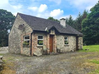 ROCKWOOD, stone-built, woodburning stove, lawned garden, Ballintogher, Ref 94053