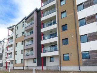 6 DOC FICTORIA luxury townhouse, en-suite, balcony with views, WiFi, in Caernarfon Ref 940142