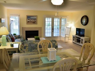 Freshly painted, totally updated! Close to Beach!, Hilton Head