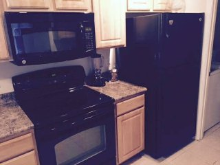 Clean CONDO close to beaches, Wilmington