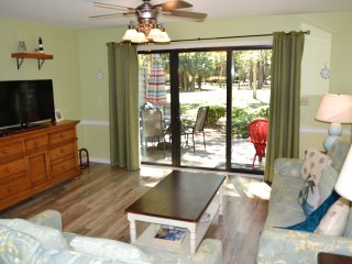 Updated Town Home Very Close to the Beach!, Hilton Head