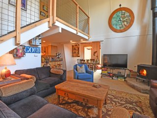 Renovated Home with Private Beach Access, Tahoe City