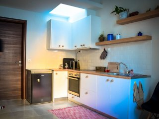 Renovated apartment just 0.5 from city center!, Heraklion