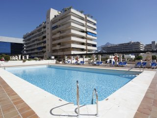 Heart of Puerto Banus.Wifi.Parking.Luxury.3 bedroo, Puerto Jose Banus