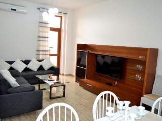 2 Bedroom Luxury Apartment, Ereván