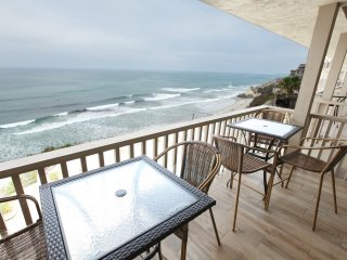 Ocean Front Top Floor 2 Bedroom Luxurious Condo, Solana Beach