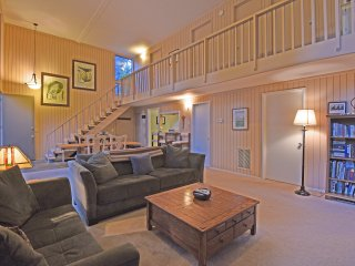 Spacious Home, Natural Light & Forest Setting, Tahoe City