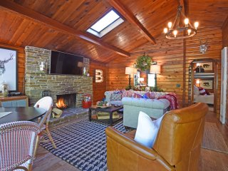Designer Log Cabin with Spacious Deck