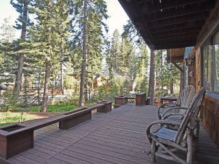Inviting Cabin Close to Lake Tahoe, Carnelian Bay