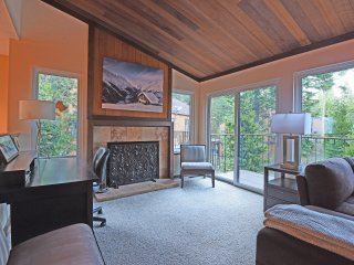 Sugar Pine Condo by Lake's Shore