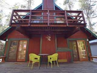 Serene Retreat Close to Lake, Tahoma
