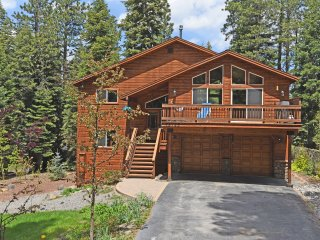 Spacious, Stylish Truckee Cabin