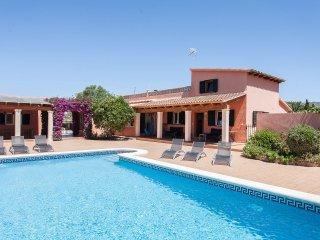 Ranch style country house,12/14p, large pool, WIFI, Palma de Mallorca