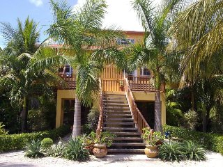 Villa Maria in Grace Bay