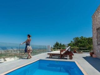 Dream Villa Santorini for 6, Private Pool, Stunning Aegean View