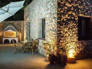 Dream Villa Santorini for 6, Private Pool, Stunning Aegean View