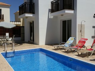 Villa Donald, 3 bed Villa, private pool, Pernera