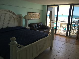 Beautifull Ocean Front Studio!!, Daytona Beach