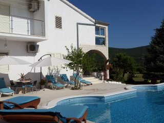 VILLA ALMAS with swimming pool