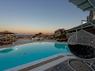 5***** Rated Traditional Villa With Breathtaking Infinite Sea View!