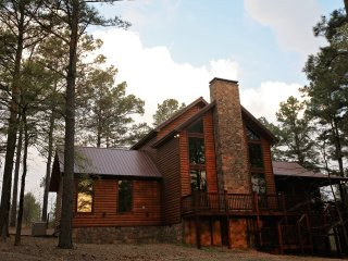 Best Kept Secret Luxury Cabin, Broken Bow