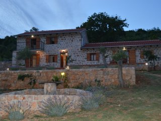 Comfortable house just for you with breathtaking view, Starigrad-Paklenica