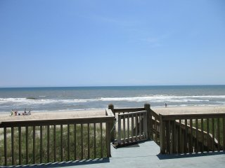 OCEAN FRONT  LUXURY HOME FANTASTIC VIEWS, Emerald Isle